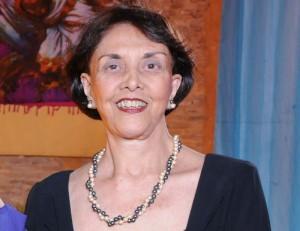A presidente da Academia de Letras e Artes do Nordeste, Selma Britto