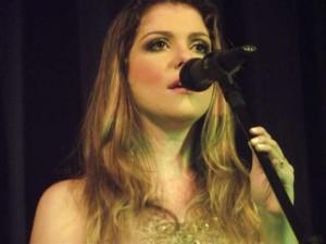 A cantora ao vivo