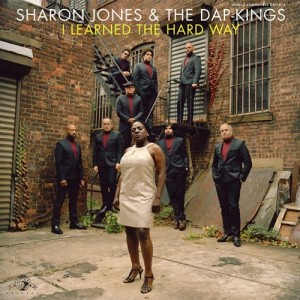 "Arte da capa de ""I Learned the Hard Way"", de Sharon Jones & the Dap Kings"