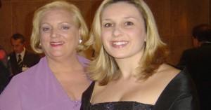 Vera Tabach ao lado de Renata de Paiva (de preto), secretária-geral da Abime