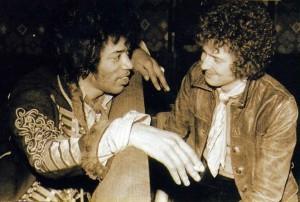 Jimi Hendrix (esquerda) foi um grande amigo de Eric Clapton
