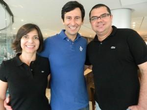 Rosangela Ribeiro, o escritor Andre Aguiar Marques e Gustavo Alcantara