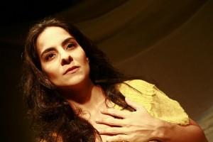 Mariana Terra, que interpreta a psiquiatra Nise Silveira | Foto: Jackeline Nigri