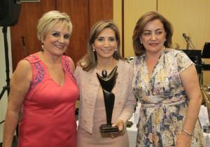 A anfitriã Neusa Bighetti; a prefeita de Ribeirão Preto, Darcy Vera; e a madrinha, Mara Pereira Alvim