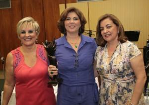 A nutricionista Gislaine Anzanello, mais Neusa Bighetti e Mara Alvim
