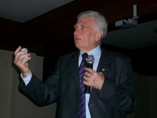 Prof. Castelli em palestra