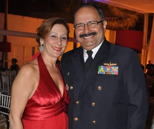 Contra-almirante Wilson P. Lima e sua senhora