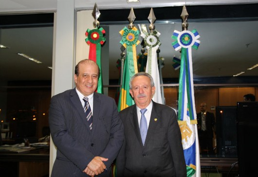 Presidente do TCU, ministro Augusto Nardes (e) e o senador Benedito de Lira (PP-AL)