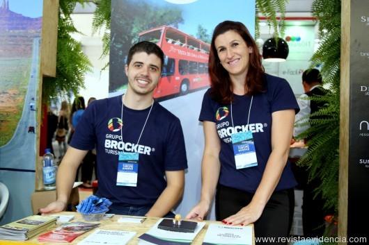 Da área comercial, Maria Fernanda Cavallin e Braian Moura do Grupo  BROCKER Turismo de Gramado e Canela RS.
