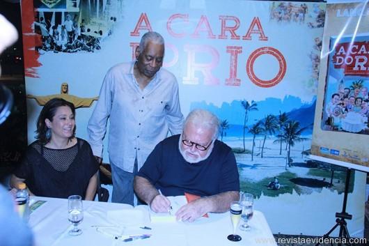Raquel Oguri, Haroldo Costa(em pé), e Ricardo Amaral