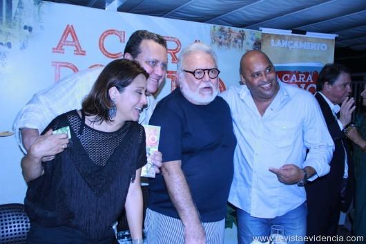 Raquel Oguri, Vagner Victer, Ricardo Amaral e uma amigo.