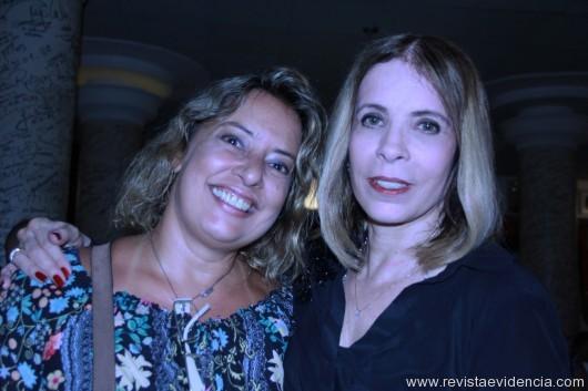 Mariza Cardozo(jornalista e escritora) e Liége Monteiro de Carvalho.