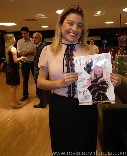 A bela jornalista Rubenita Carvalho também curtiu a revista Evidência Cosmopolita