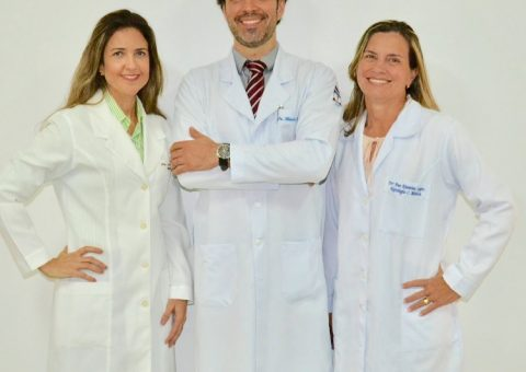 Dra. Luciana Sampaio, Dr. Flávio Teles e Dra. Ana Katarina