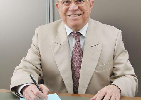 O médico Walter França festejou o seu aniversário no último dia 24, em petit comitè. Parabéns, Doutor! (Foto: Eddy Ferreira)