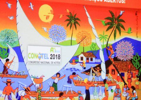 Em solenidade realizada na tarde desta sexta-feira (13), no Centro de Convenções de Florianópolis - SC, na presença de diversas autoridades, empresários, imprensa e profissionais do setor, Manoel Linhares, presidente da ABIH Nacional, e Camila Moretti, diretora da Equipotel, lançaram a 60ª Conotel – Congresso Nacional de Hotéis e Equipotel Regional 2018, que acontece de 16 a 18 de maio, em Fortaleza, em um dos centros de convenções mais modernos e bem equipados da América Latina.