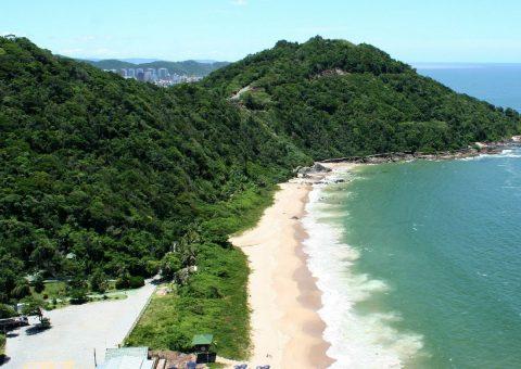 Localizado na praia dos Amores, a cinco minutos do balneário mais badalado do Sul do Brasil, Balneário Camboriú (SC), o Infinity Blue Resort & Spa entregará já neste mês de abril as primeiras unidades de seu retrofit geral nos quartos. Segundo Alberto Cestrone,