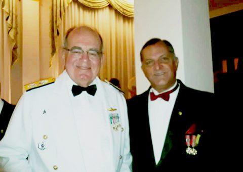 Comandante da Marinha, Almirante de Esquadra Eduardo Barcellar Leal Ferreira e Eduardo Auto Guimarães, presidente da Soamar/AL, no baile de gala no Clube Naval/RJ