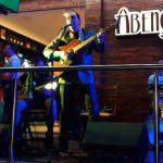 Helcio Hime tocando Rock com Banda Abençoada