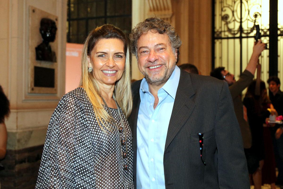 O diretor da TV Record, Júlio Casares e Jacqueline Meirelles
