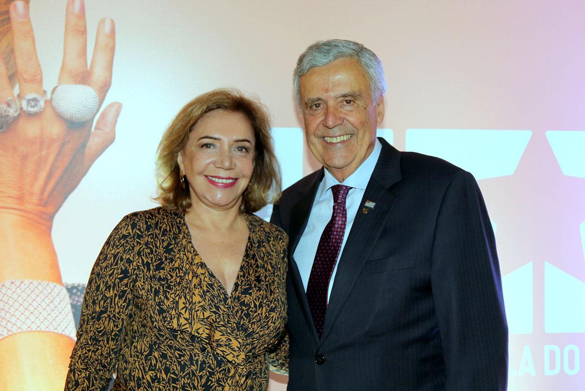 O casal presidente da Sabesp e um dos patrocinadores do filme, Marlene Crespaldi e Benedito Braga