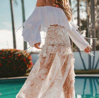 Thassia Naves, plena e poderosa