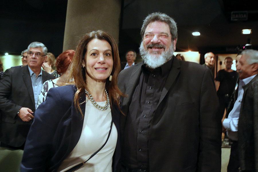 Na plateia o filosofo e palestrante Mario Sergio Cortella e a esposa