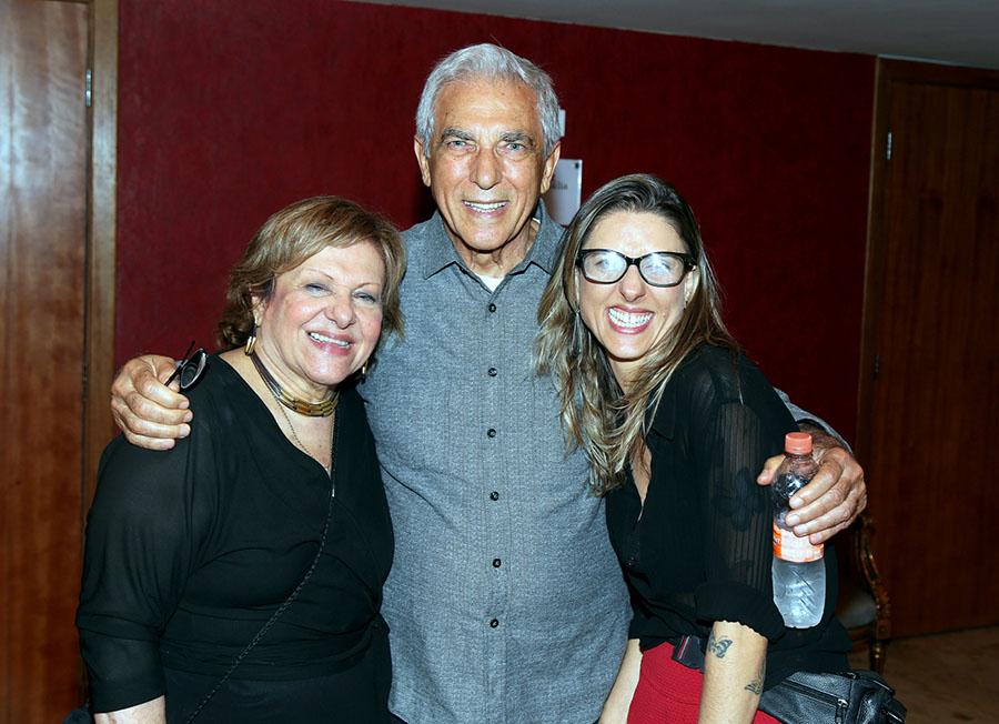 A cantora e irmã de Caçulinha, (faziam dupla na infância), Wanda Cavalheiro com o marido, Wilson e a filha, Giovana Cavalheiro