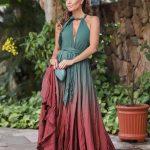 Claudia Métne exibe seu estilo num look de tecido tingido em degradé e joias em turmalinas