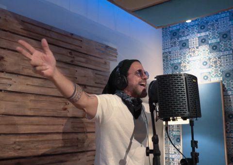 """Videoclipe de """"Sou Cabofolia"""" mostra bastidores da gravação da música-tema"""