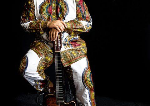 Neste sábado, Charlie Diéf realizará live de samba e música brasileira