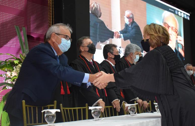 Em solenidade no Tribunal de Contas, Marluce Caldas toma posse como Procuradora de Justiça